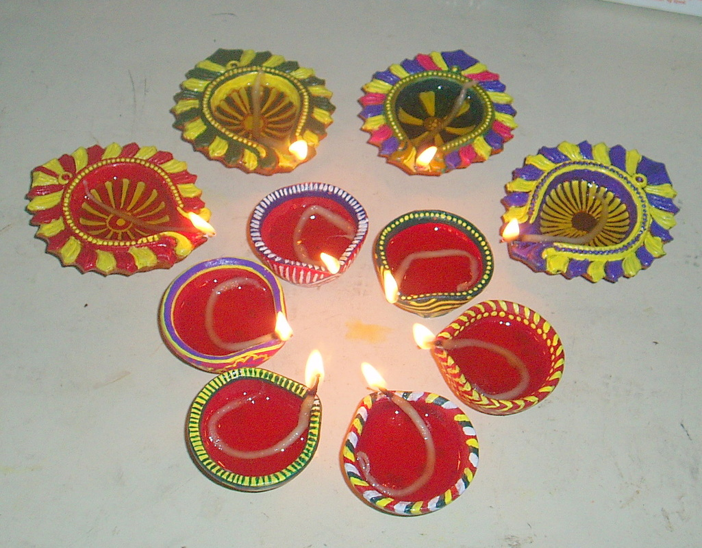 Diwali Diyas Decoration Ideas Rangloi Flowers Backgrounds ...